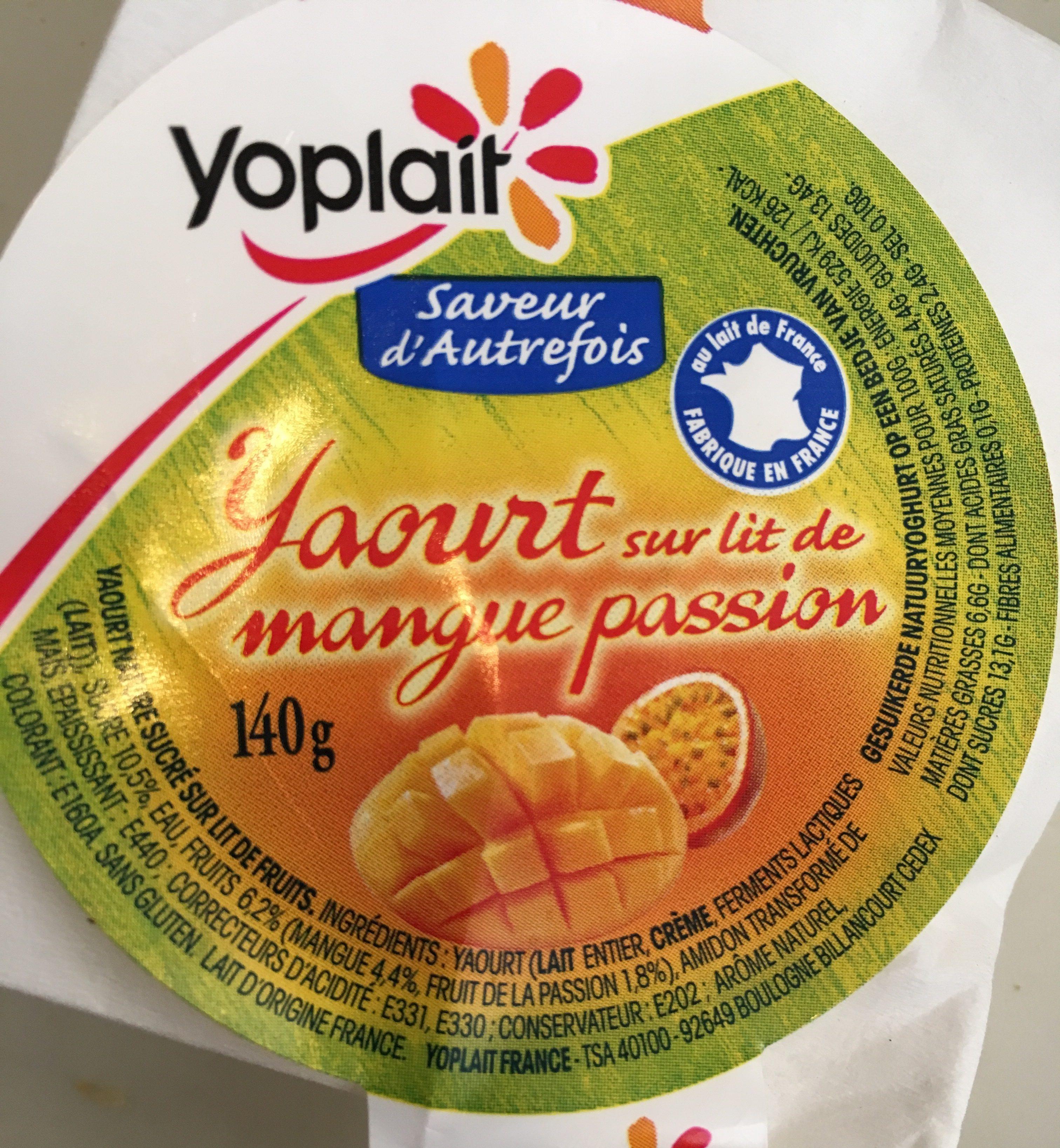 Yaourt nature sucré sur lit de fruits, aromatisé. - Ingredientes - fr