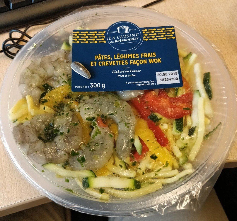 Pâtes, légumes frais et crevettes façon wok - Product
