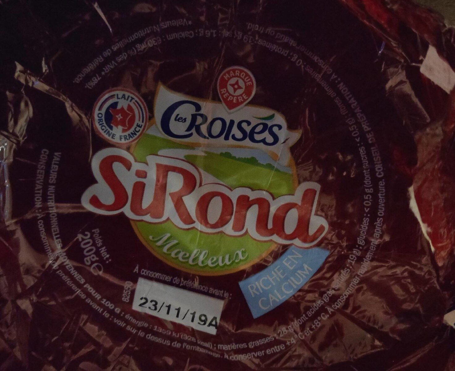 Fromage rond sous cire 28% - Nutrition facts - fr