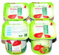 Lait fermenté au bifidus avec des morceaux de fruits - Fraise (4 Pots) - Produit - fr