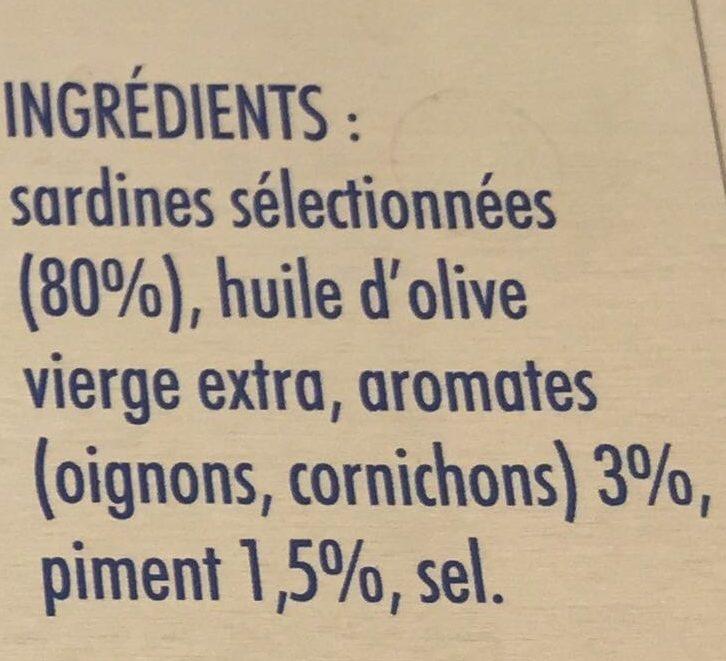 Sardines à l'Ancienne, à l'Huile d'Olive, au Piment et Aromates - Ingredientes