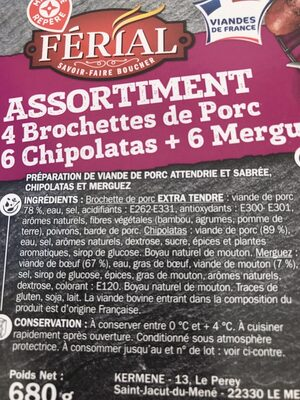 Assortiment : 4 brochettes de porc + 6 mini chipolatas + 6 mini merguez - Ingrediënten - fr