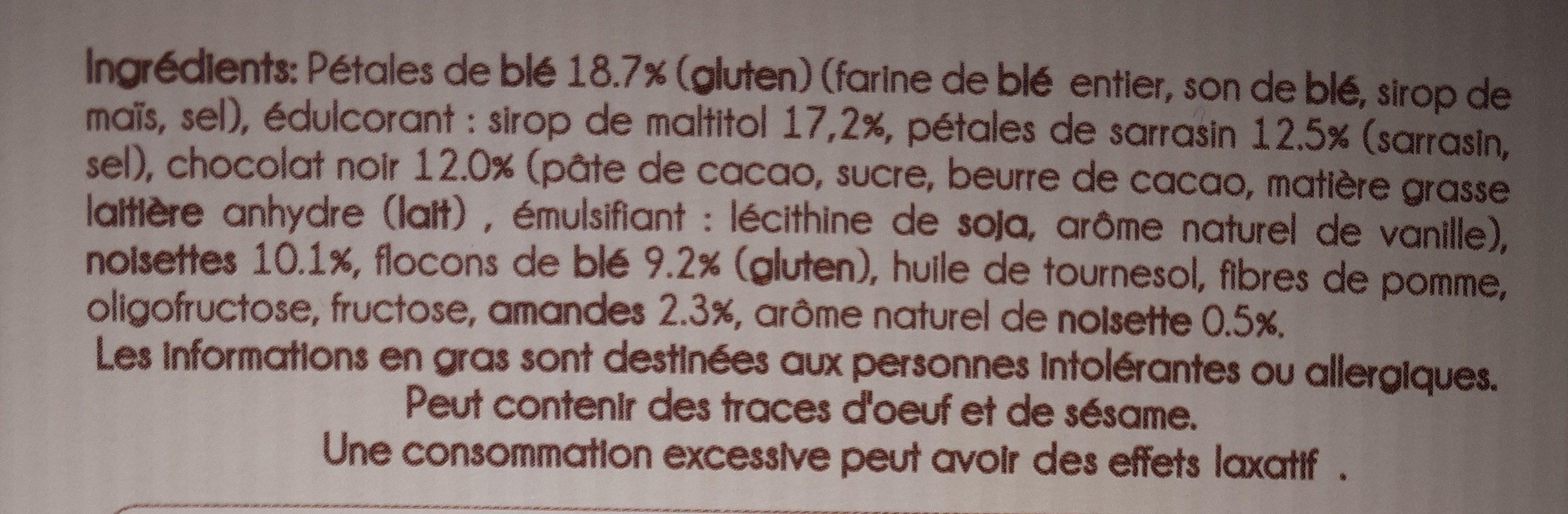 BARRES DE CÉRÉALES AUX NOISETTES & AMANDES SUR TALON DE CHOCOLAT NOIR - Ingrediënten - fr