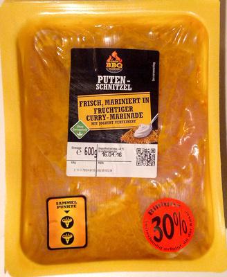Putenschnitzel frisch, mariniert in fruchtiger Curry-Marinade mit Joghurt verfeinert - Product
