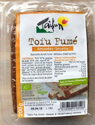 Smoked Tofu with Almonds and Sesame Seeds - Produit - fr