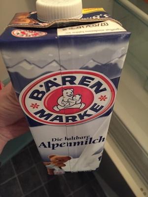 Bären Marke Die haltbare Alpenmilch 3,8% Fett Vollmilch - Product