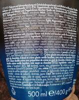 Eiscrem mit Sahnezubereitung mit Schokoladengeschmack und Alkohol und Bourbon Vanilleeiskrem mit Schokoladenstraße. - Ingredientes