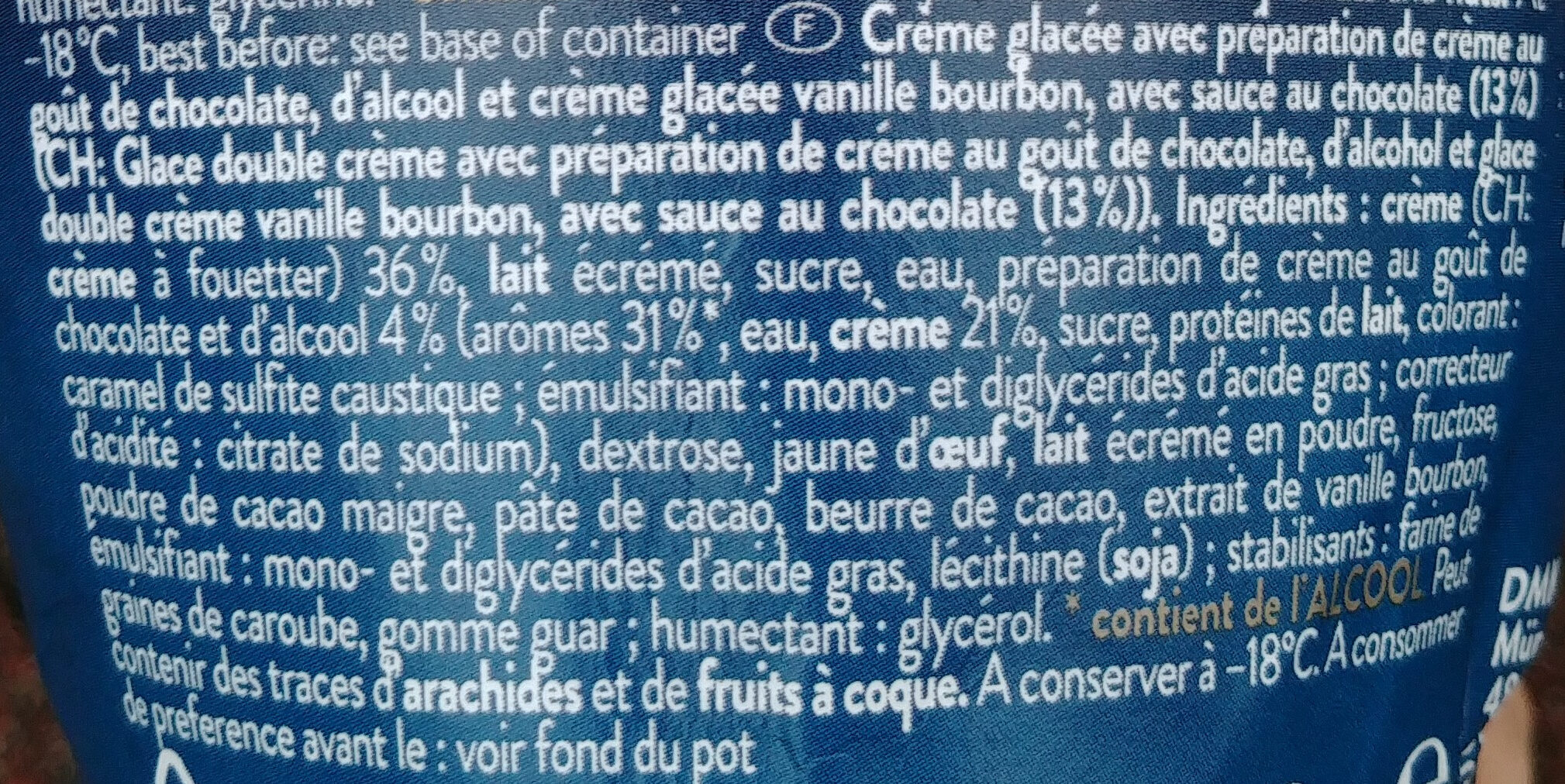 Eiscrem mit Sahnezubereitung mit Schokoladengeschmack und Alkohol und Bourbon Vanilleeiskrem mit Schokoladenstraße. - Ingrédients - fr