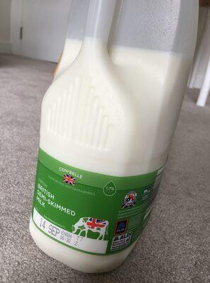 Semi-Skimmed Milk Aldi - Product