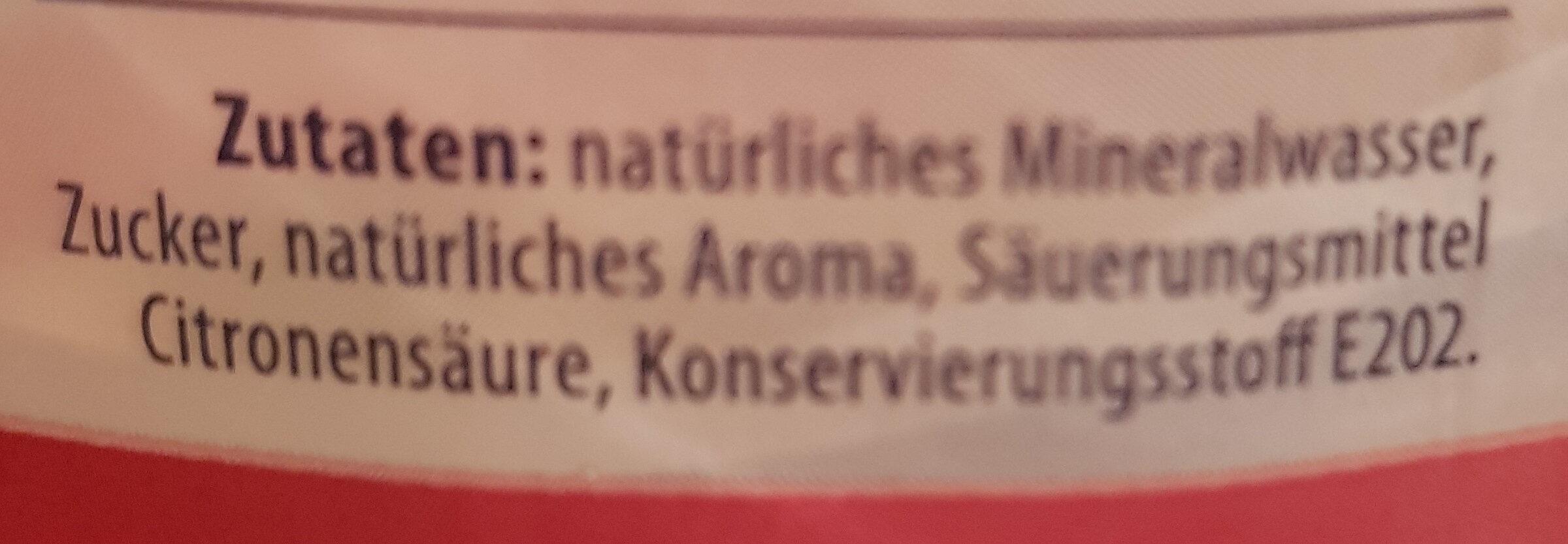 Erfrischungsgetränk mit Kirschgeschmack - Ingredients - de