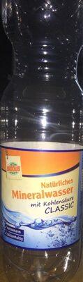 Natürliches Mineralwasser mit Kohlensäure - Produkt