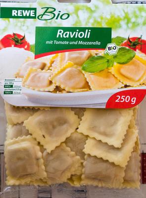 Ravioli mit Tomate und Mozzarella - Product - de