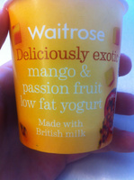 Deliciously exotic mango & passion fruit low fat yogurt - Product - en