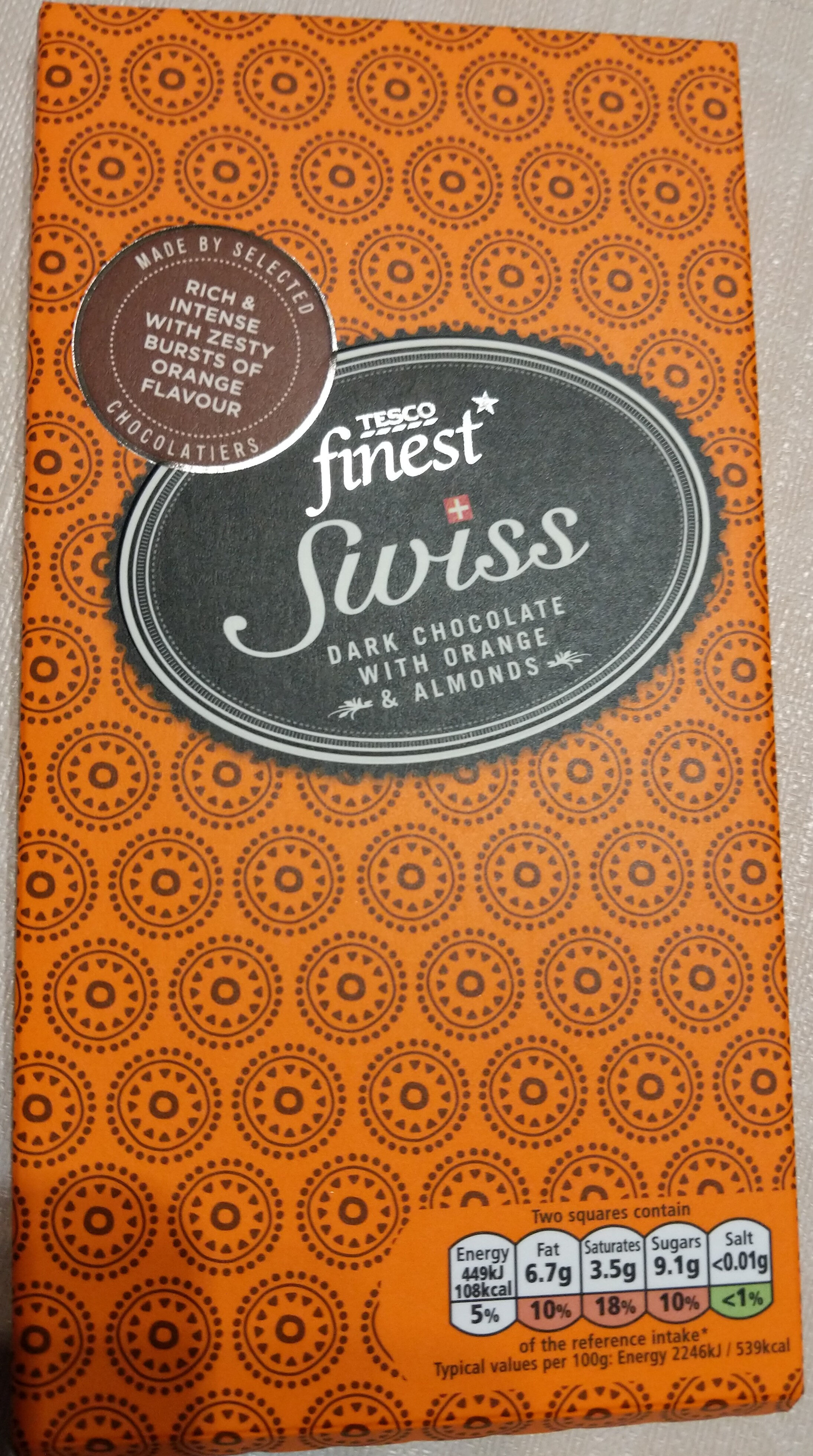 Swiss dark chocolate with orange and almonds - Product - en