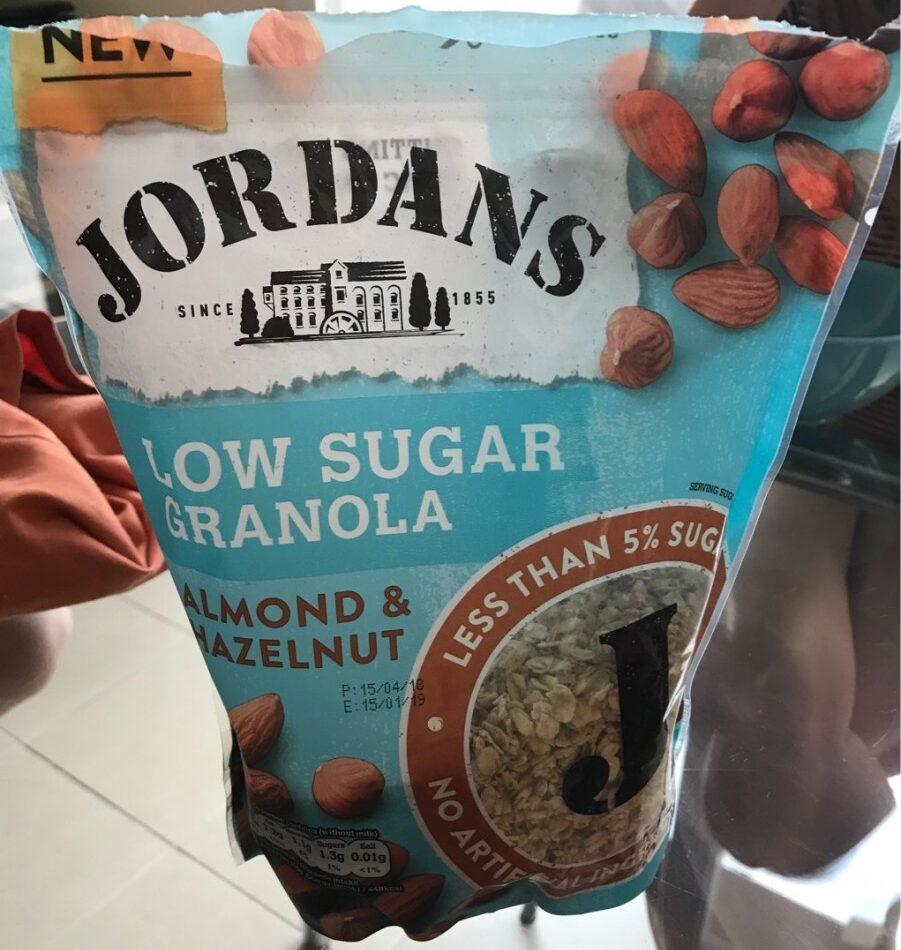 Low sugar granola almond and hazelnut - Produit - fr