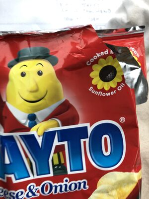 Tayto Cheese & Onion Crisps - Product - en