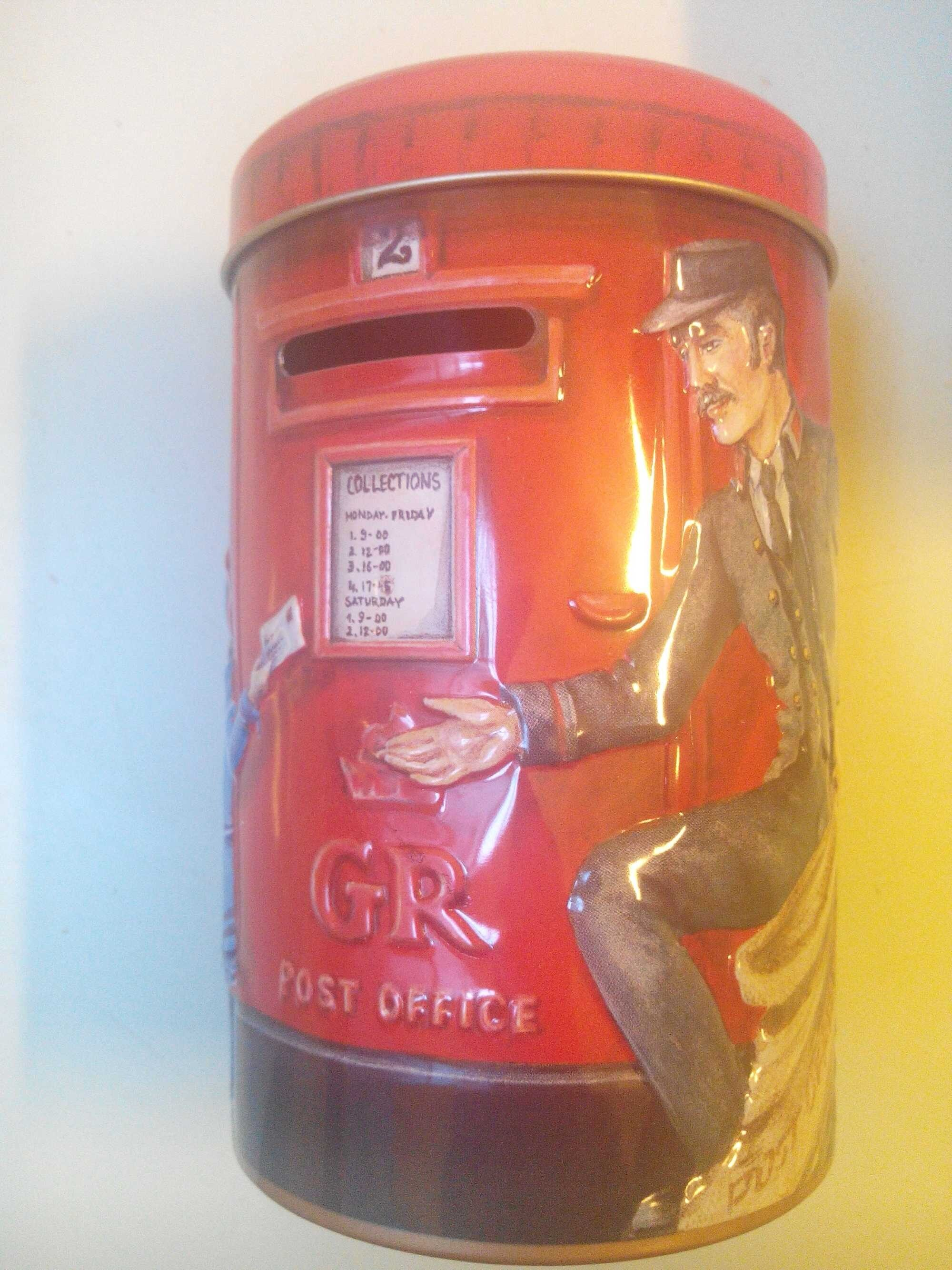 Churchill's Post Box Money Box With Toffees - Product - en