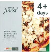 Tesco Finest Four Cheese & Balsamic Red Onion Pizza - Produit - en