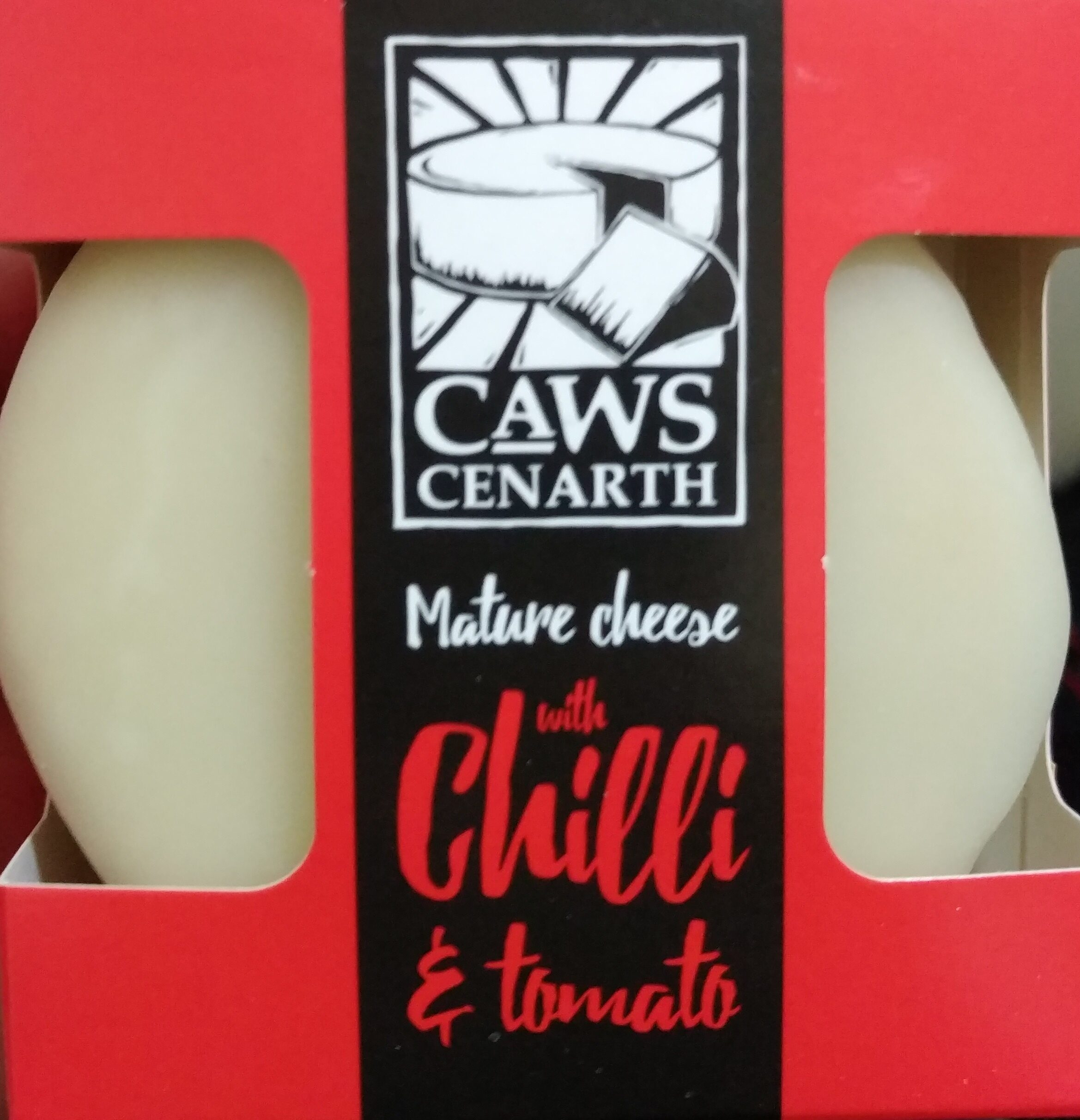 Mature cheese with chilli & tomato - Product - en