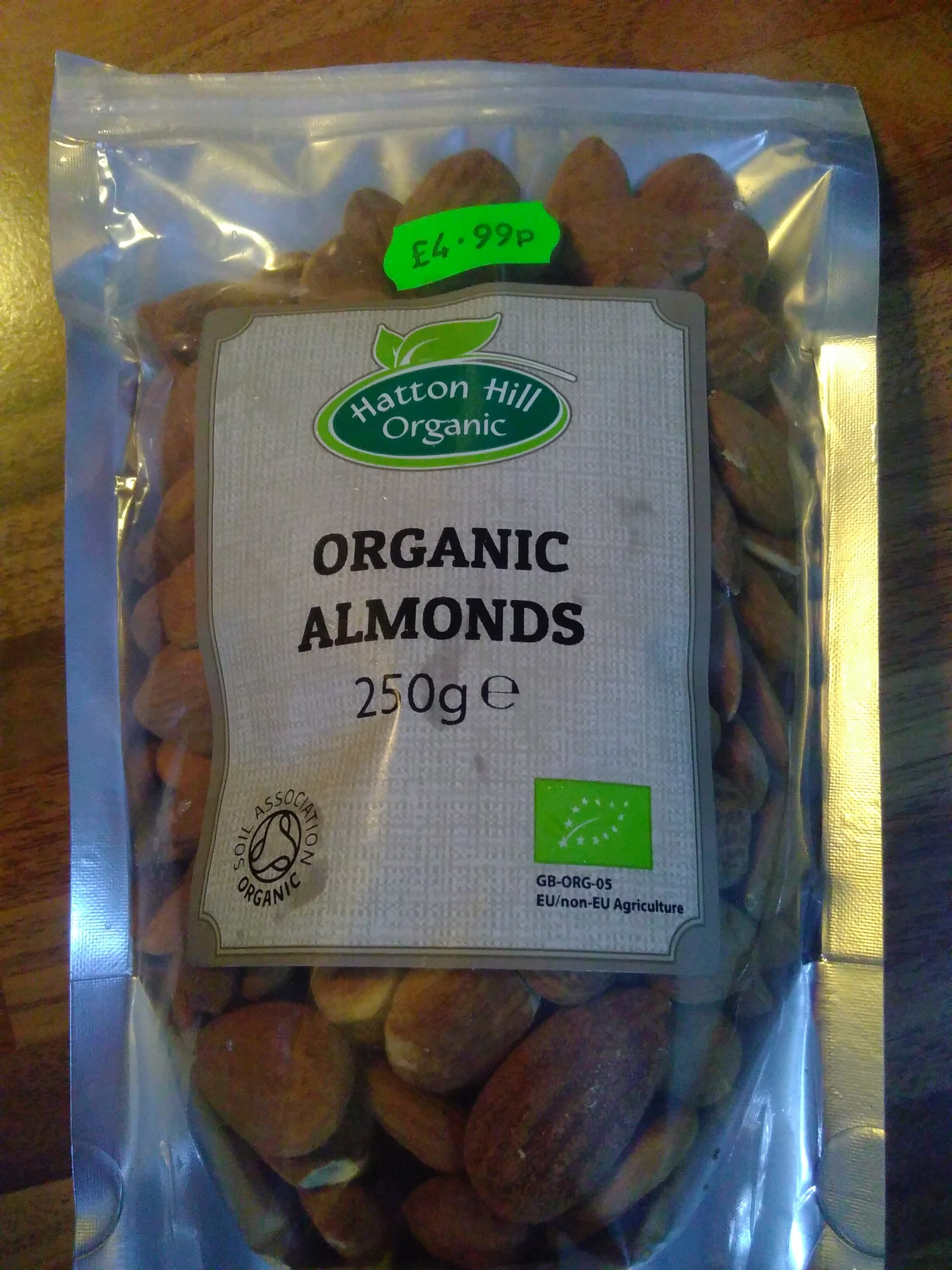 organic almonds - Product