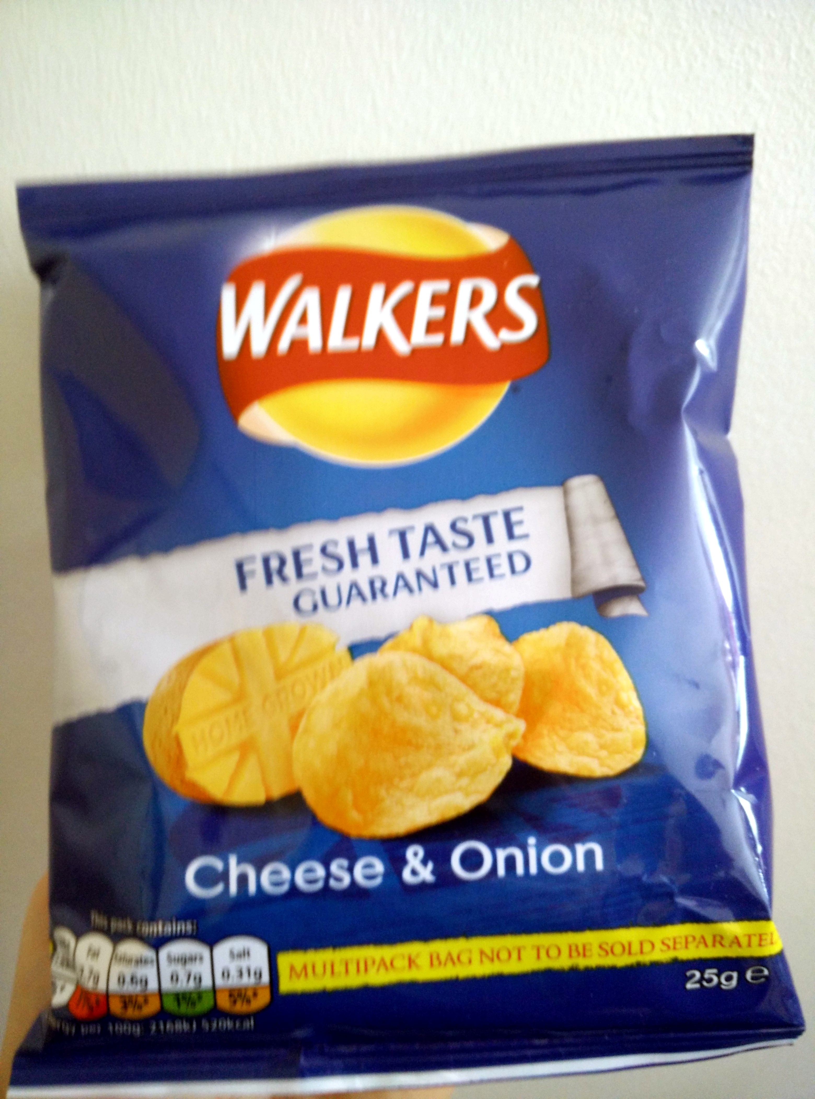 Cheese and onion crisps - Product