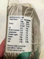 6 lightly seasoned vegan sausages - Nutrition facts - en