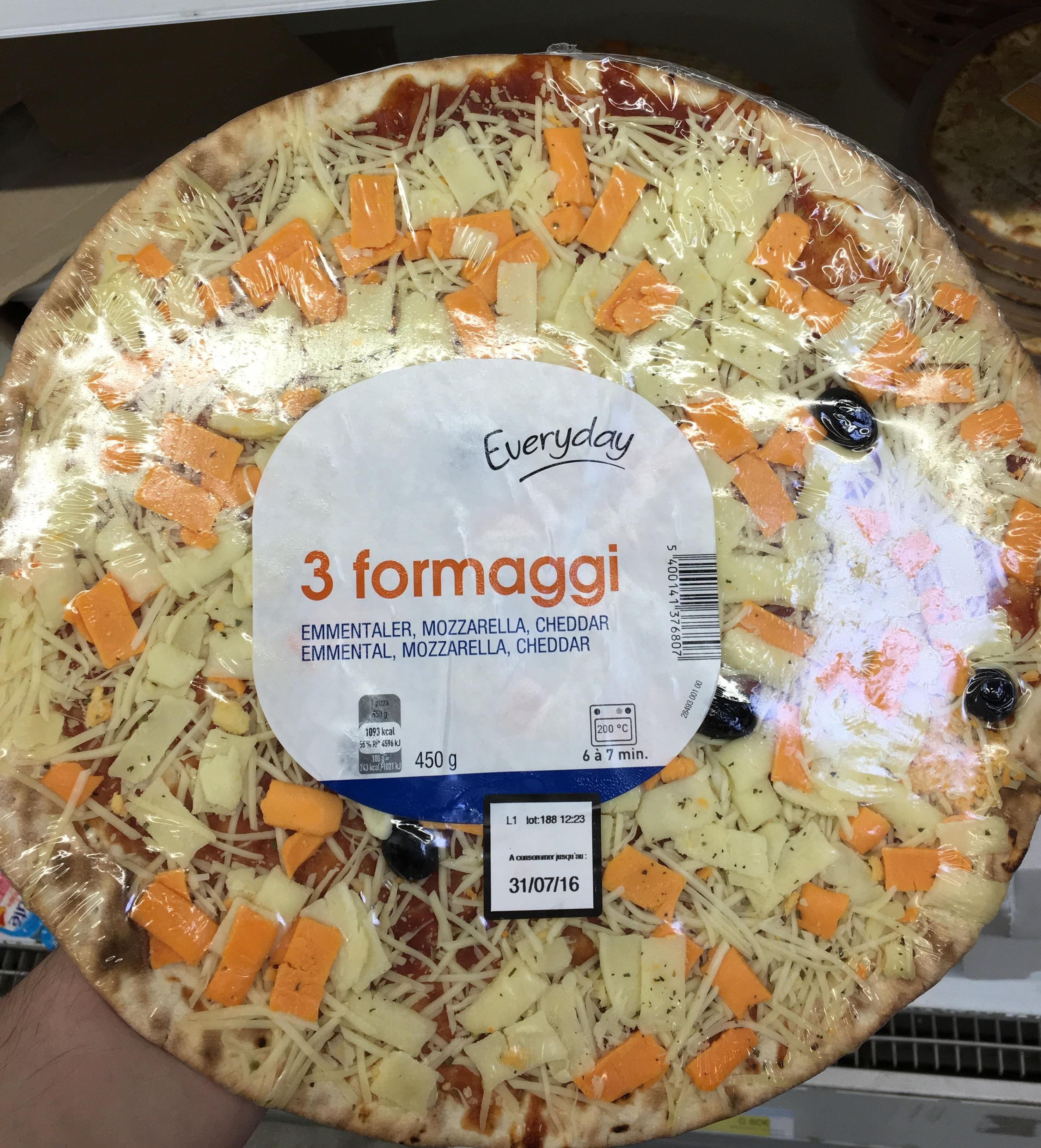 3 formaggi Emmental, Mozzarella, Cheddar - Product - fr