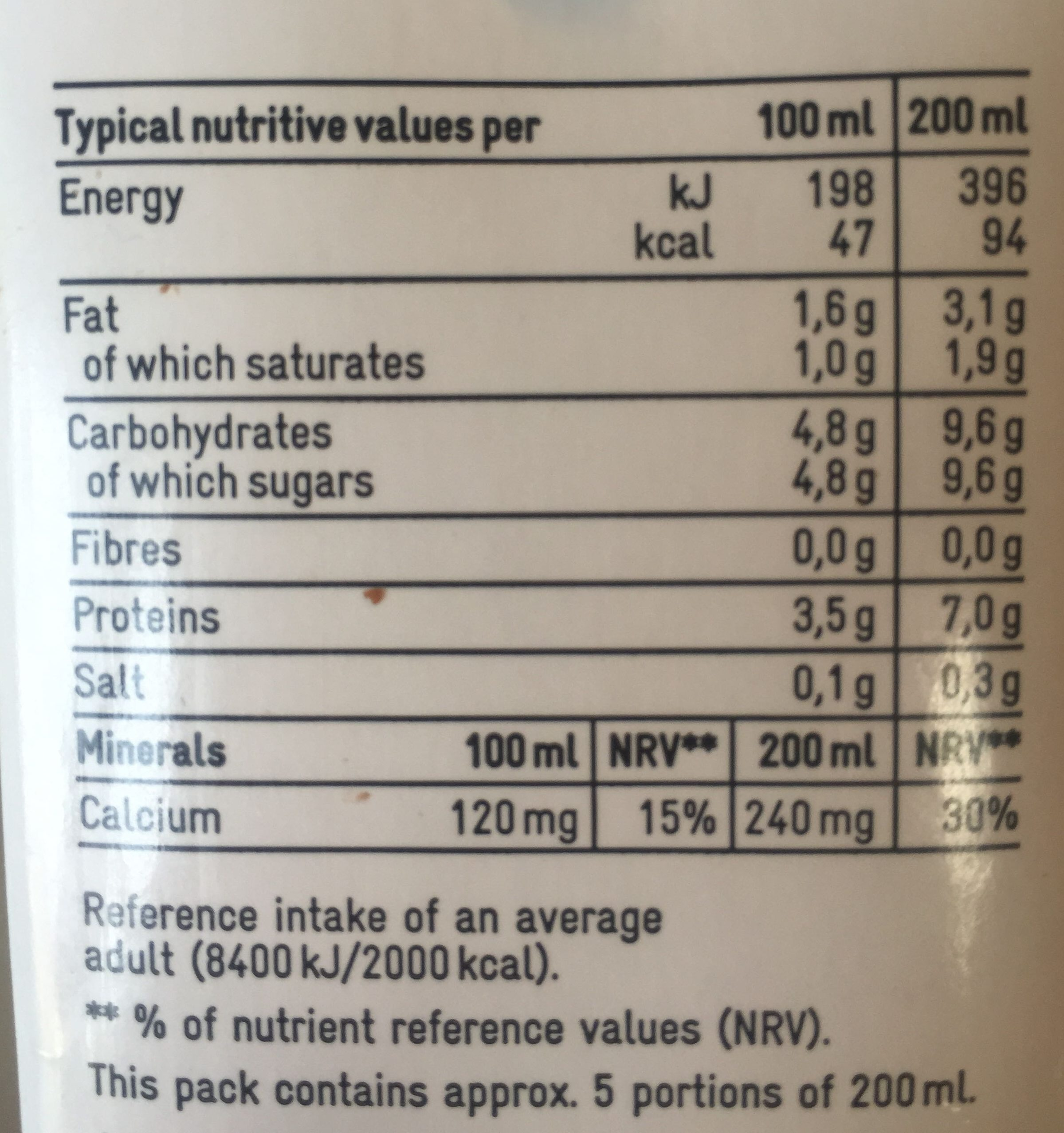 Lait demi-écrémé - Nutrition facts - en