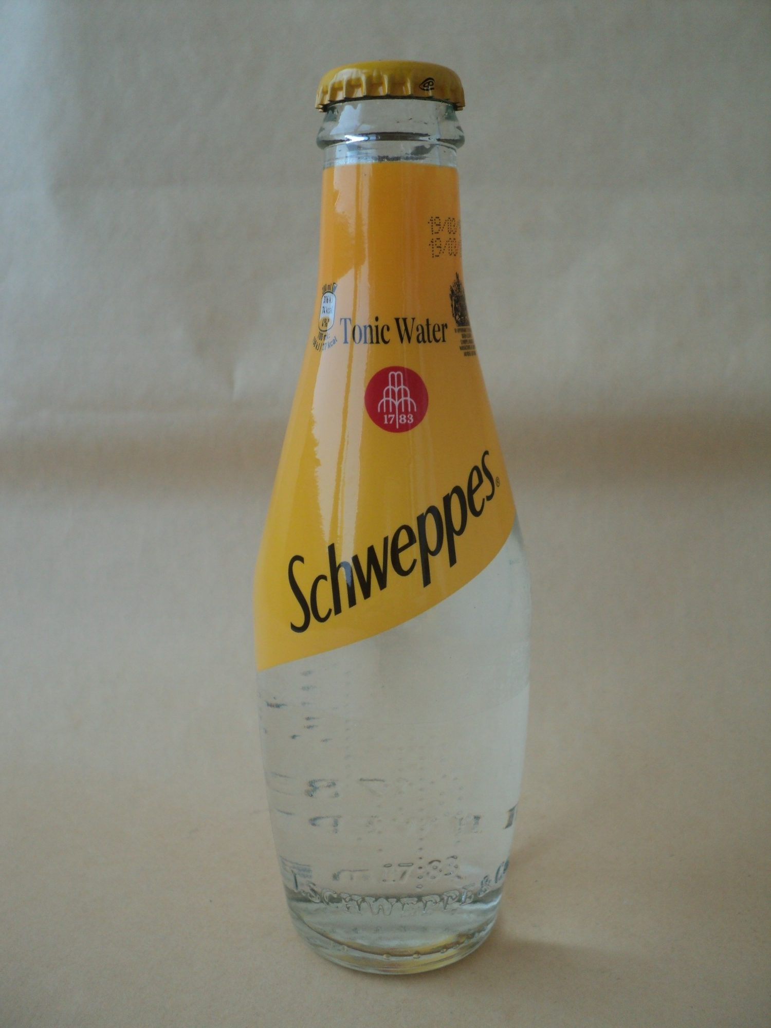 Schweppes Tonic - Product
