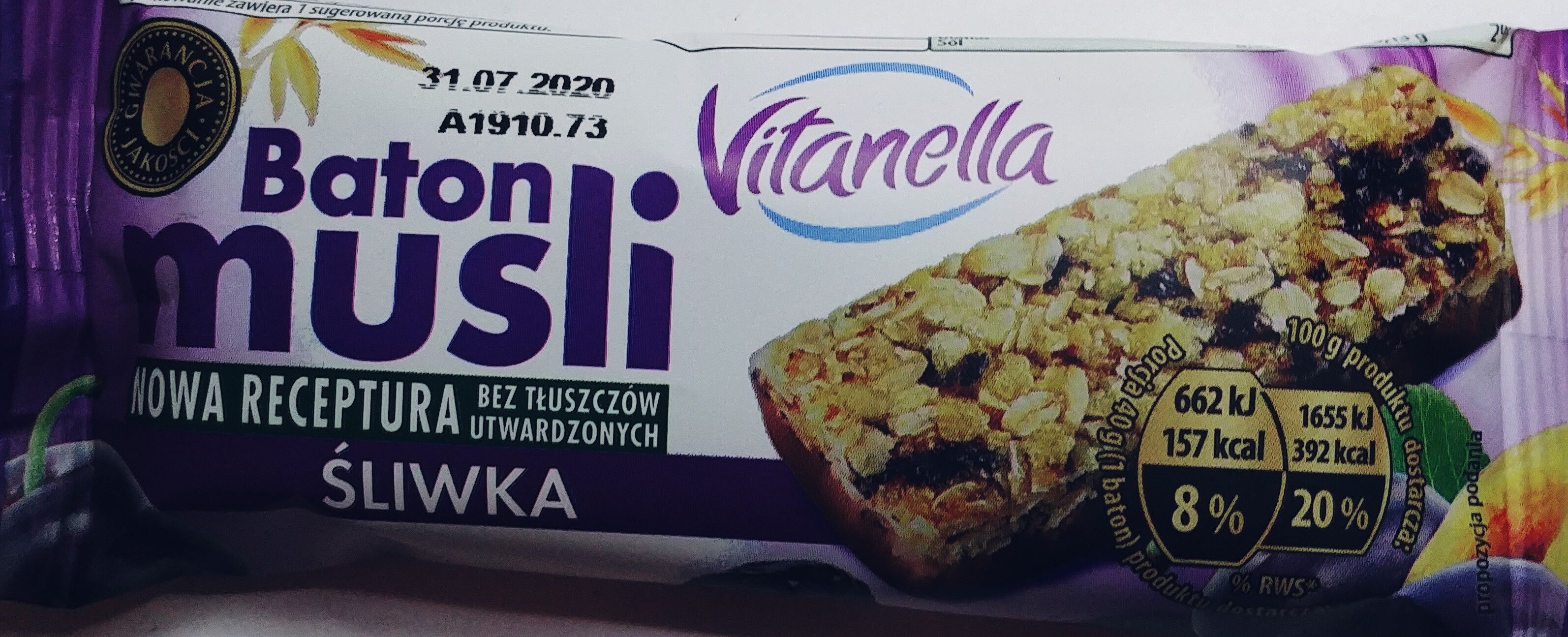 Baton zbożowy ze śliwkami i polewą o smaku kakaowo-mlecznym. - Produkt - pl
