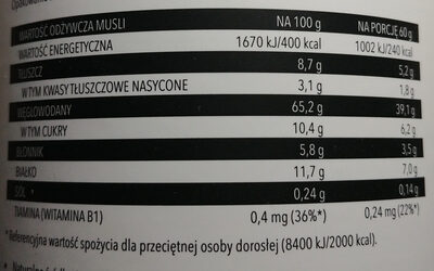 Musli z truskawkami, czerwonymi porzeczkami i czekoladą mleczna - Voedingswaarden