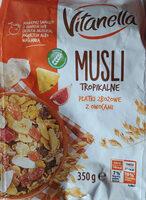 Płatki zbożowe z suszonymi i kandyzowanymi owocami. - Product - pl