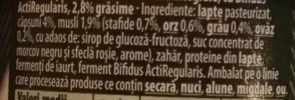 Danone Activia Iaurt Musli Capsuni - Ingredients - ro