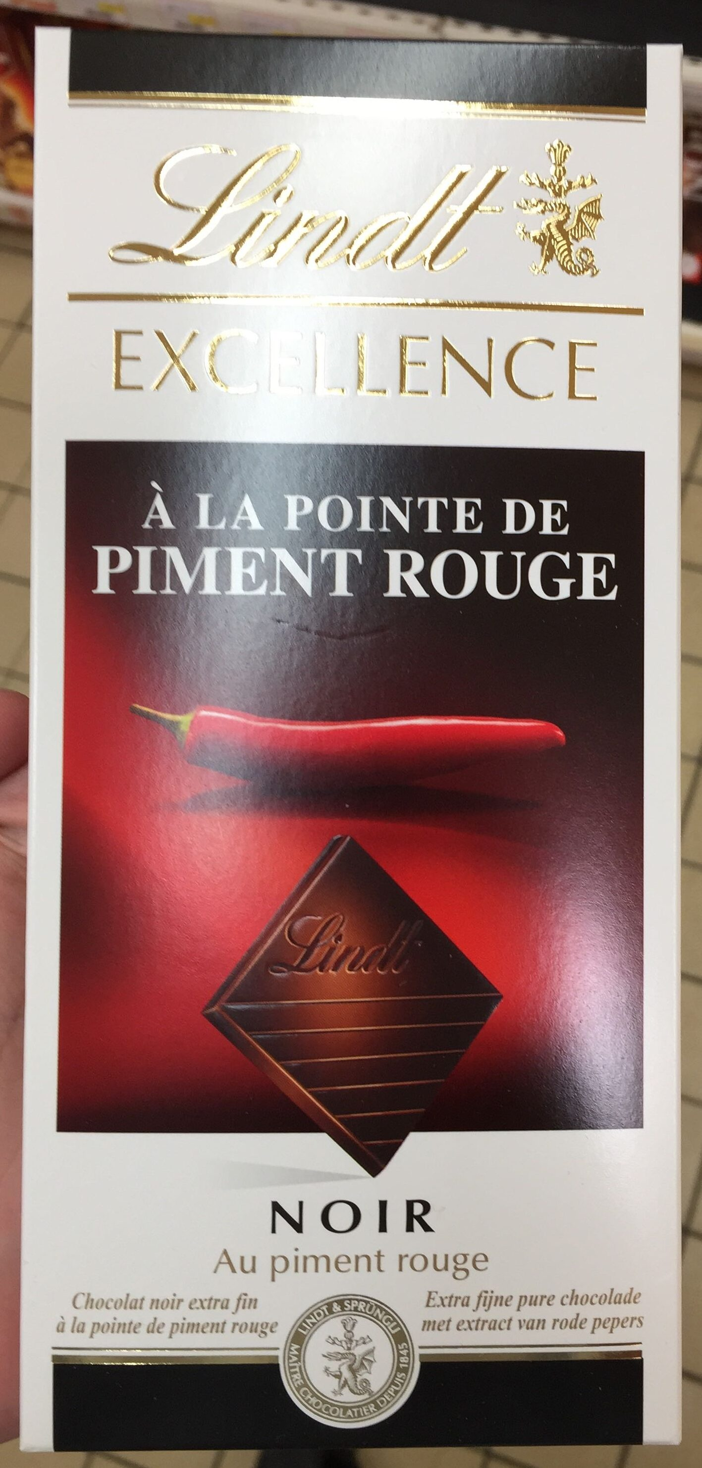 Excellence Noir à la Pointe de Piment Rouge - Produit