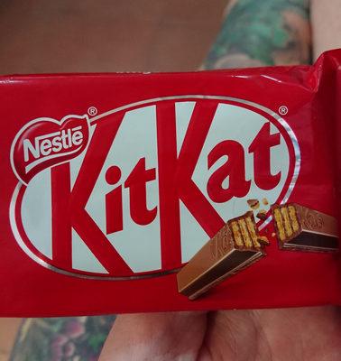 KitKat 4 Finger Milk Chocolate Bar - Product - en
