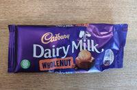 Dairy Milk chocolate bar Wholenut - Product - en
