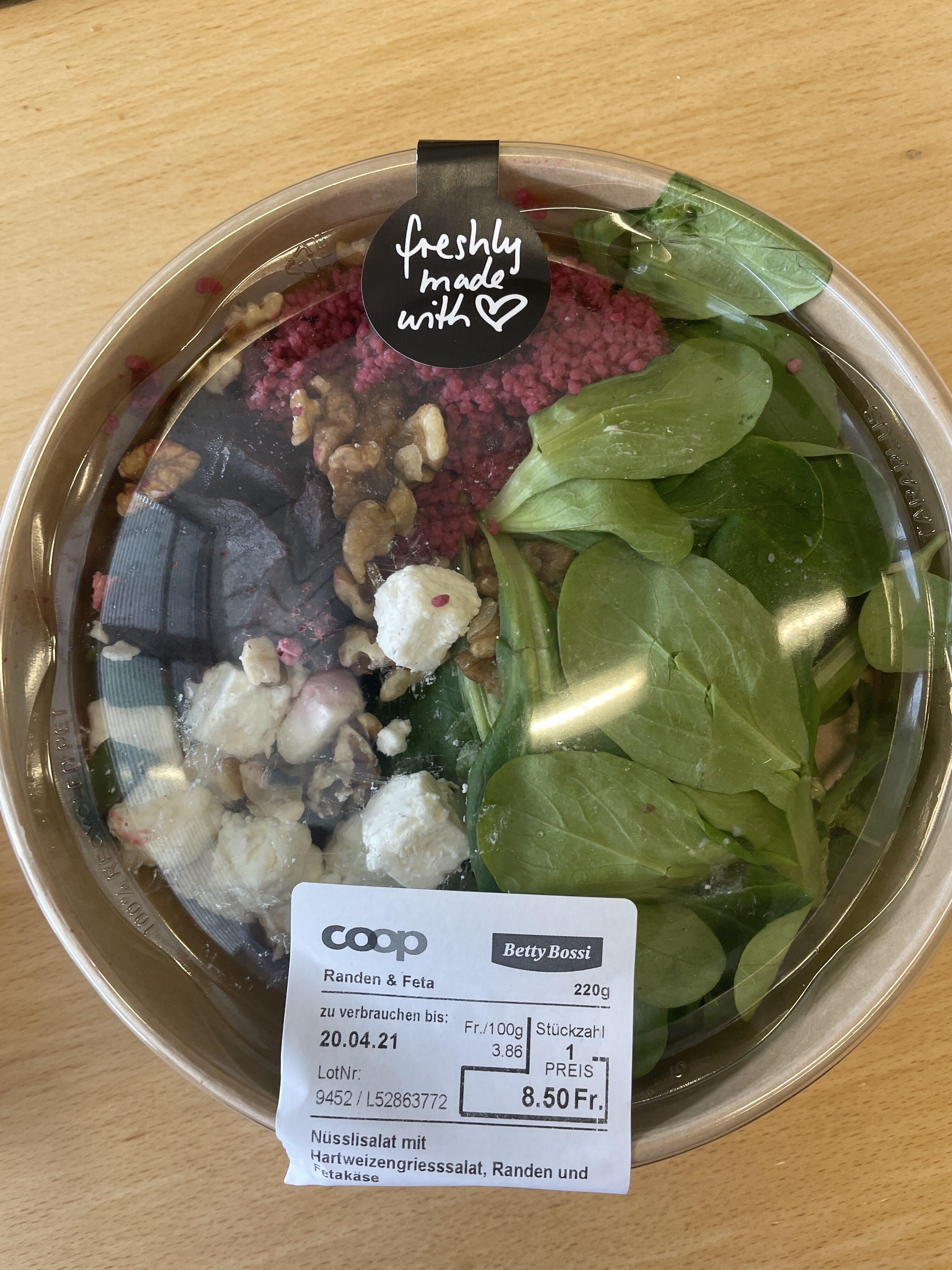 Nüsslisalat mit Hartweizengries, Randen und Fetakäse - Prodotto - de