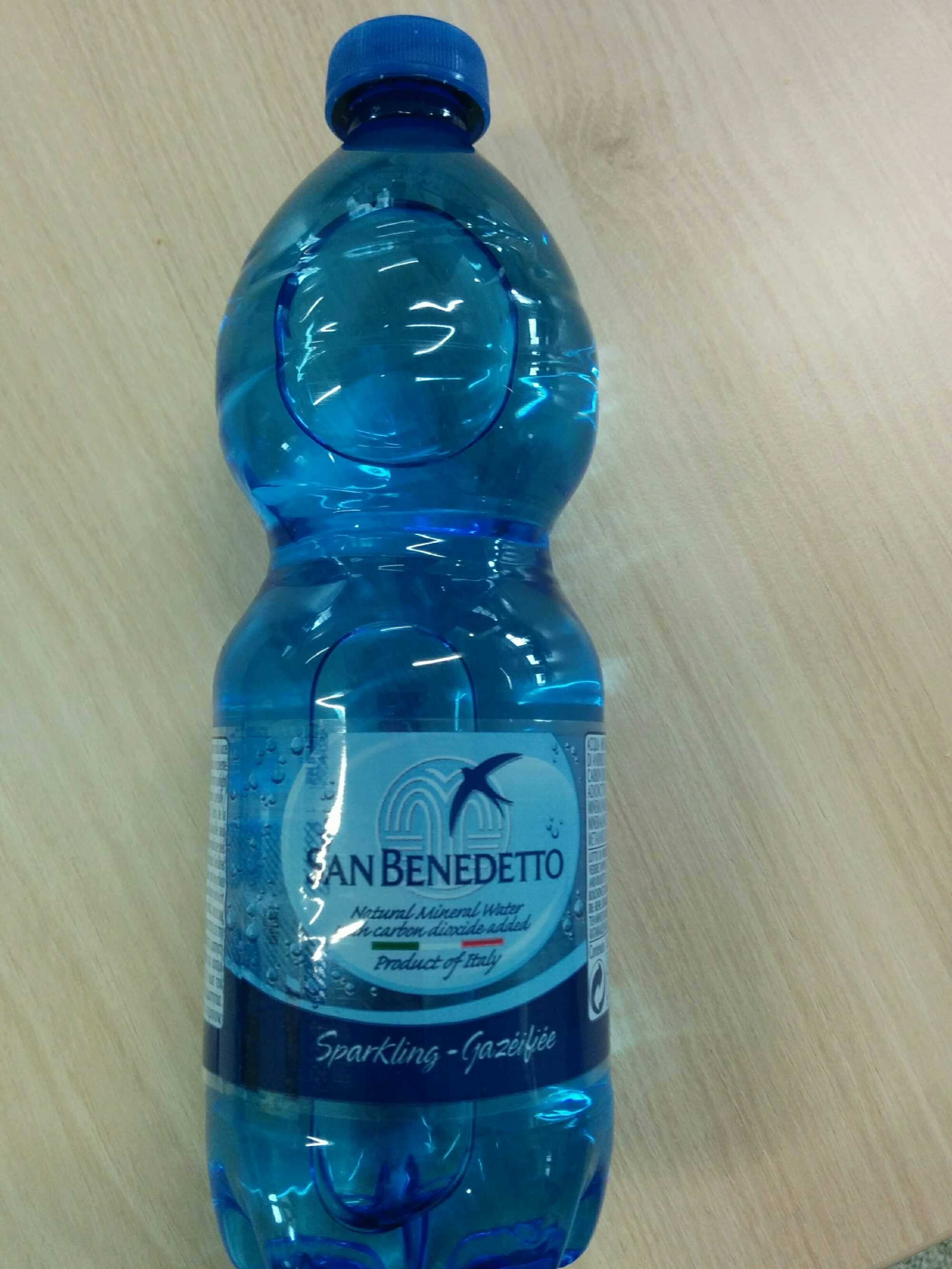 San Benedetto Fizzy Water - Product - fr