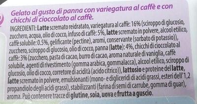Gelato al gusto di panna con variegatura al caffè e chicchi di cioccolato al caffè - Ingrédients - it