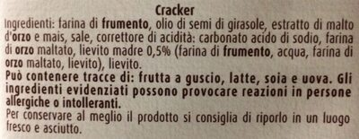 Cracker Salati, senza granelli di sale in superficie - Ingredientes - it