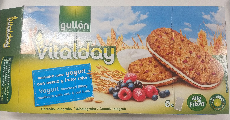 Vitalday sandwich sabor yogurt con avena y frutos rojos - Producte - es