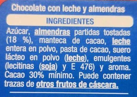 Chocolat au lait avec des amendes - Ingredients