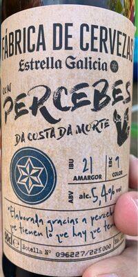 Cerveza con Percebes da Costa da Morte