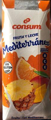 Fruta y leche mediterraneo