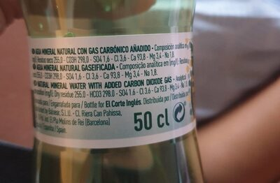 Agua mineral natural con gas - Informations nutritionnelles - fr