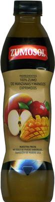 Zumo de manzanas y mangos exprimidos