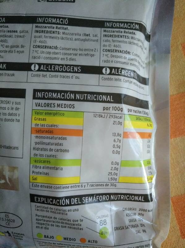 Mozzarella rallada - Nutrition facts - es