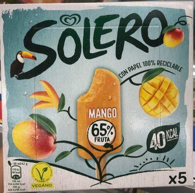 Helado de sorbete de mango con trocitos de mango