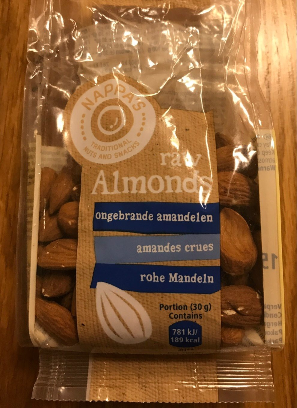 Raw almonds - Produit - fr