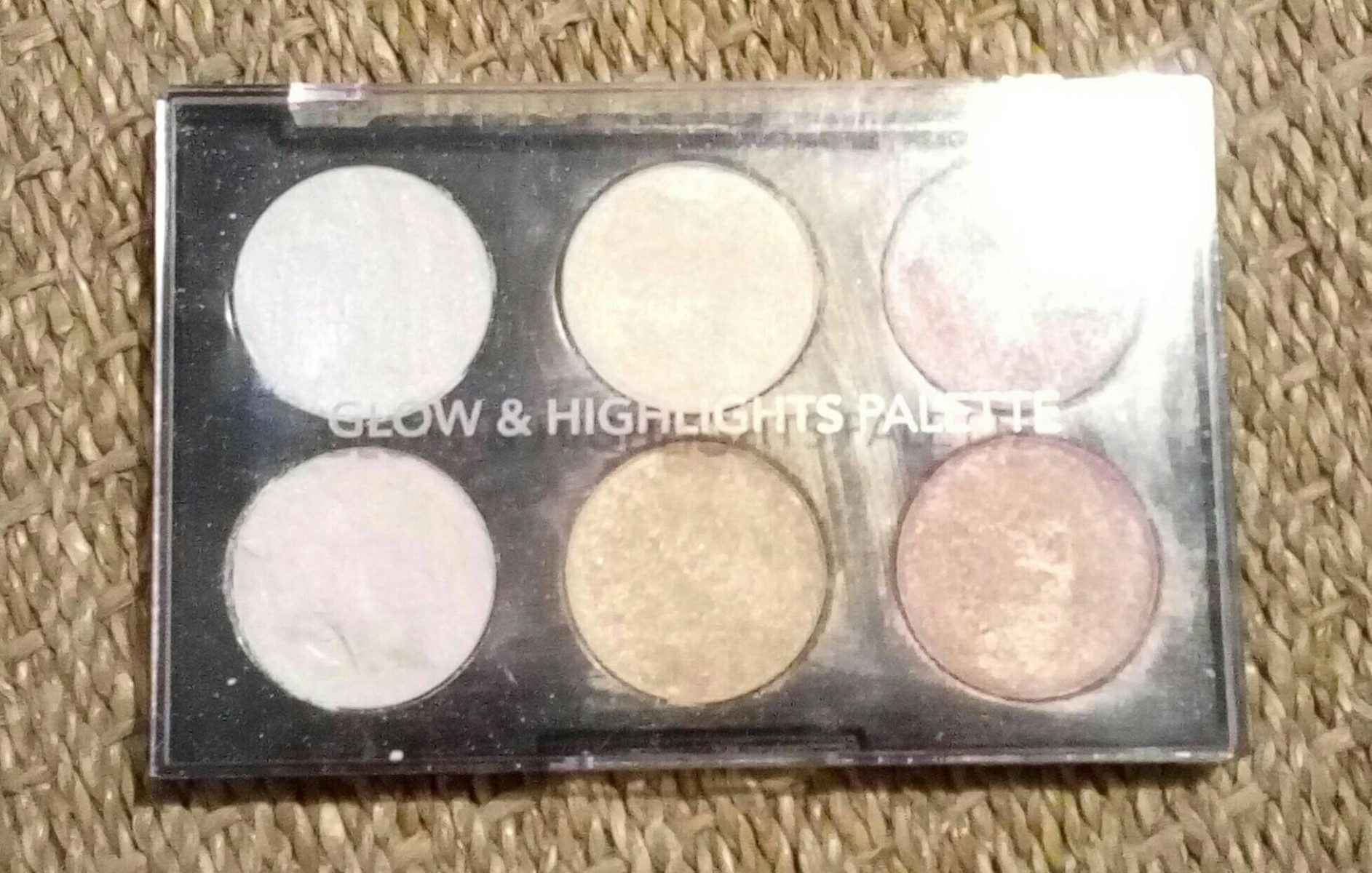 Glow & Highlights Palette - Product - fr